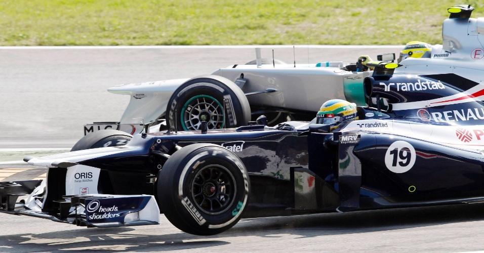 Bruno Senna disputa posição com Nico Rosberg durante o GP da Itália (09/09/12)