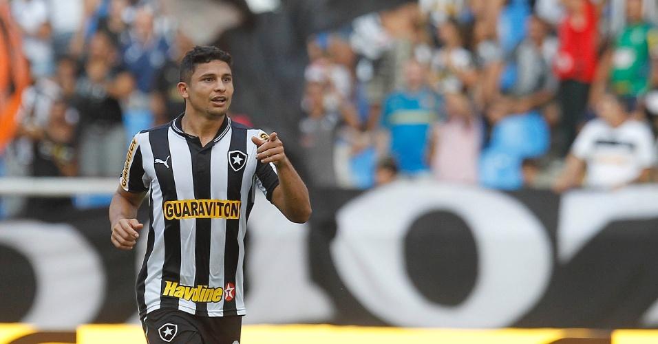 Elkeson fez dois gols do Botafogo no jogo diante do Náutico