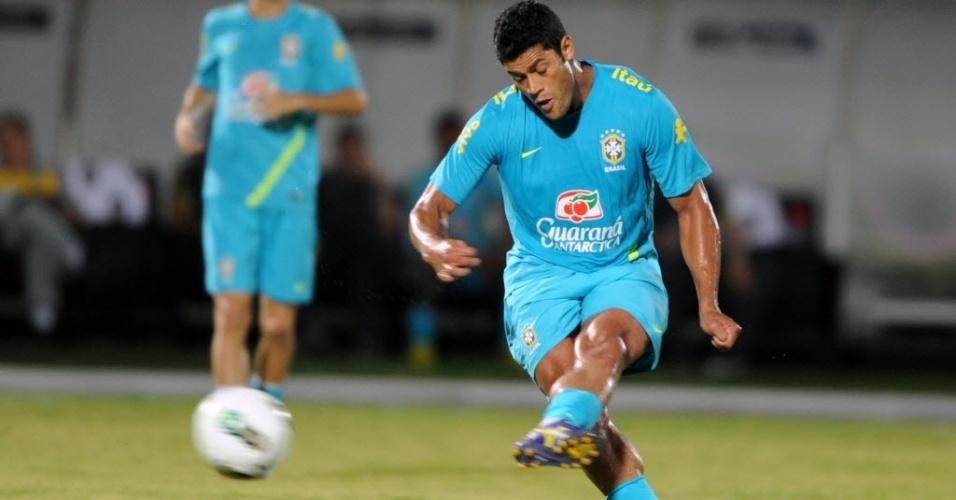 Hulk (foto) ganhou a vaga de titular de Leandro Damião no treino deste domingo