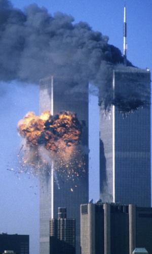 10.set.2012 - Imagem de setembro de 2011 dos ataques  ao  World Trade Center, em Nova York (EUA), ocorridos há 11 anos. A tragédia  deixou mais de 3.000 vítimas