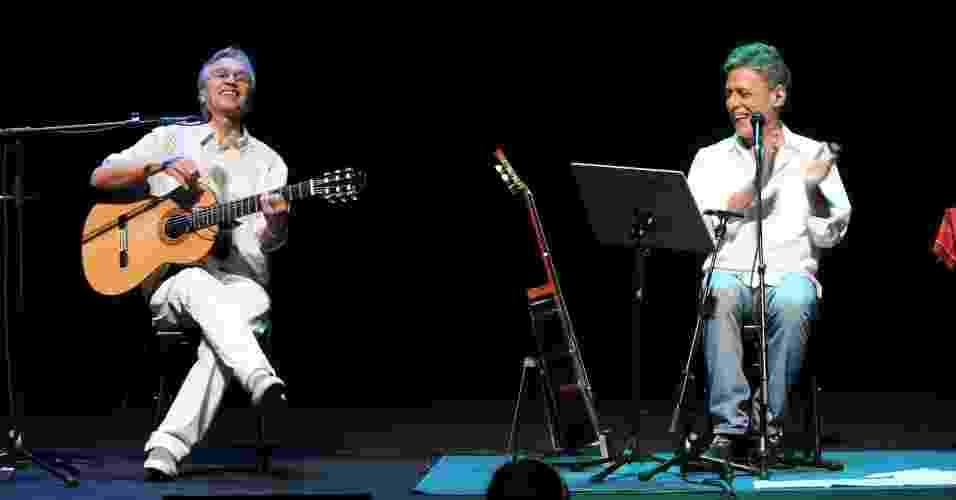 """Caetano Veloso e Chico Buarque se apresentam no show """"Primavera Carioca"""", no Rio de Janeiro (11/9/12) - Raphael Mesquita/Foto Rio News"""