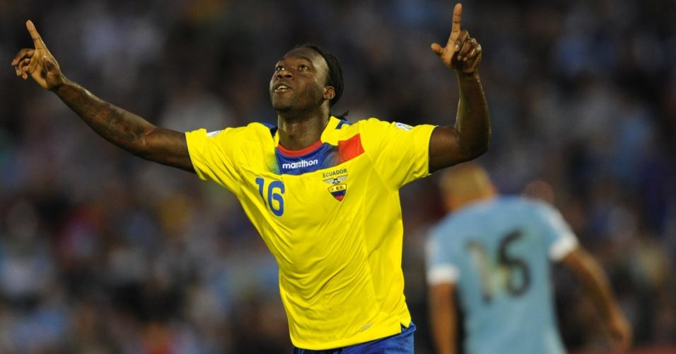 11.set.2012 - Felipe Caicedo comemora após marcar para o Equador contra o Uruguai pelas eliminatórias da Copa-2014; jogo terminou empatado por 1 a 1