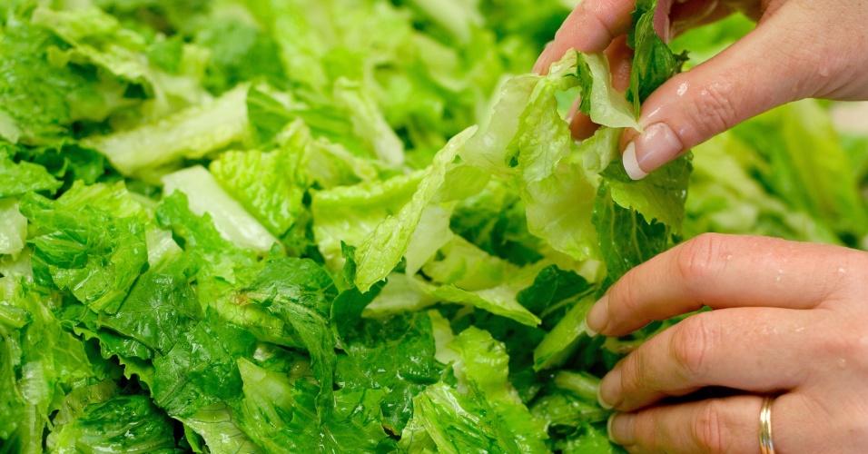 Picando verdura, lavando verdura