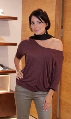 "A atriz Juliana Knust posa no ""Vogue Fashion's Night Out"" (12/9/12)"
