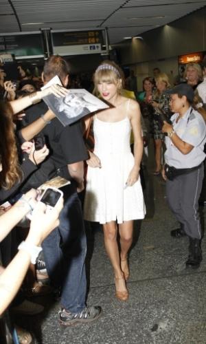 """A estrela do country pop está no país para lançar o disco """"Red"""", que sai em outubro (12/9/12)"""