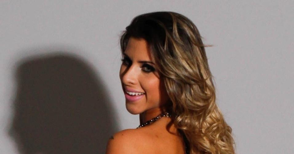A modelo e musa do Corinthians, Ana Paula Minerato, fez ensaio fotográfico para a sua primeira coleção de roupas femininas (12/9/12)