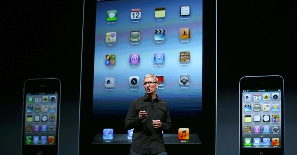 CEO da Apple, Tim Cook fala durante evento da Apple, entre as novidades apresentadas estão o novo iPhone 5 e um novo iPod