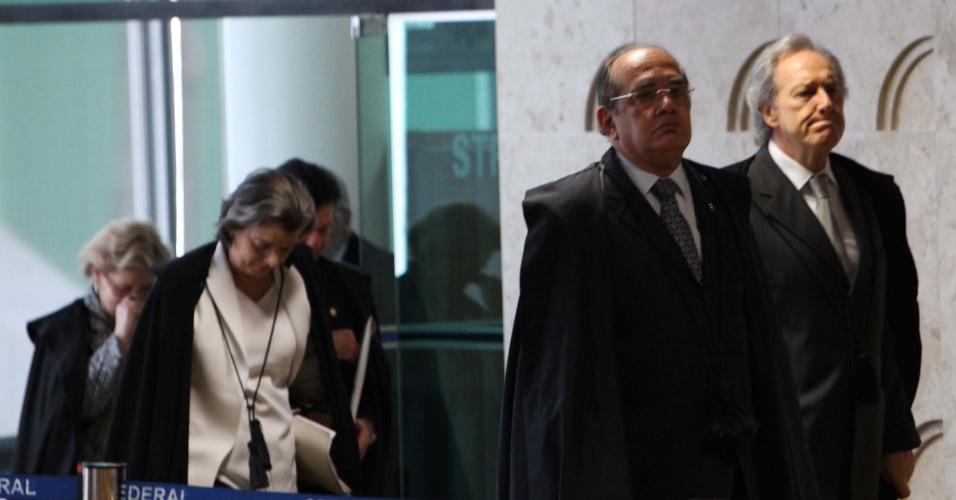 13.set.2012 ? Ministros do Supremo Tribunal Federal (STF) chegam ao plenário para mais um julgamento do mensalão