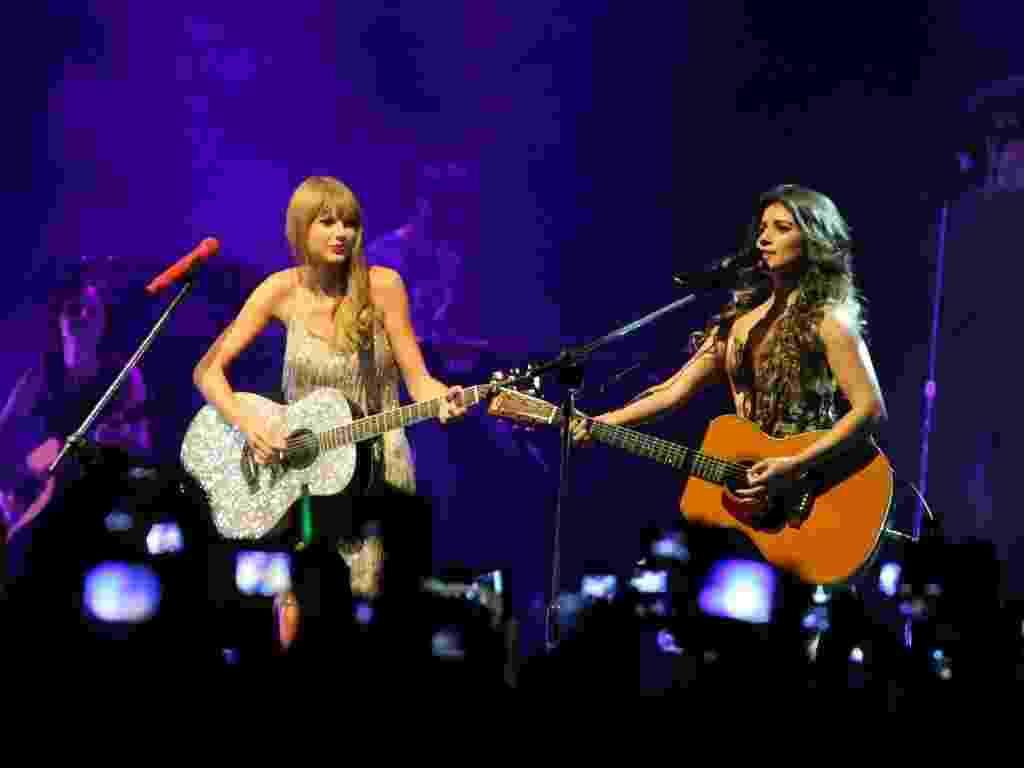 Taylor Swift canta com Paula Fernandes em show no Citibank Hall no Rio de Janeiro (13/9/12) - Marcello Sá Barretto/Foto Rio News