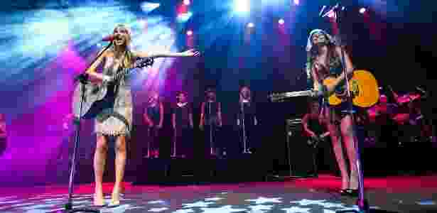 Taylor Swift canta com Paula Fernandes em show no Citibank Hall no Rio de Janeiro (13/9/12) - Manuela Scarpa/Foto Rio News