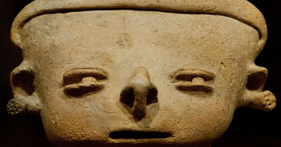 14.set.2012 - Amostra de cerâmica pré-colombiana na exposição Cerâmica Psicotrópicos no museu La Merced, em Cali, na Colômbia. A mostra reúne 29 peças de cerâmica pré-colombiana