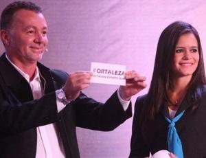 Ex-jogador Bobô participa do sorteio da Copa do Nordeste 2013
