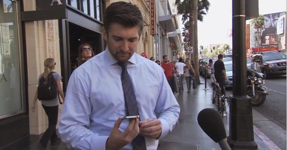 Já o programa de TV do comediante Jimmy Kimmel, nos Estados Unidos, usou o lançamento do iPhone 5 para fazer uma pegadinha com pessoas nas ruas de Los Angeles. Foi algo bem simples: foi mostrado um iPhone 4S como se ele fosse o celular recém-lançado pela Apple. Resultado: muitas pessoas elogiaram o ''novo aparelho'', sem perceberem que se tratava do modelo anterior