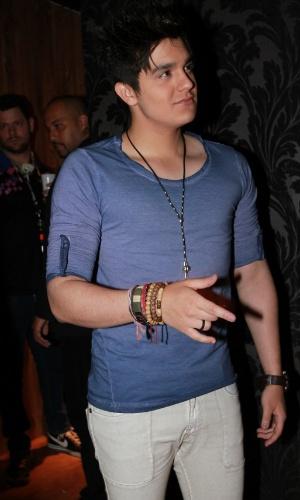 Luan Santana chega à inauguração do clube Outlaws (13/9/12)