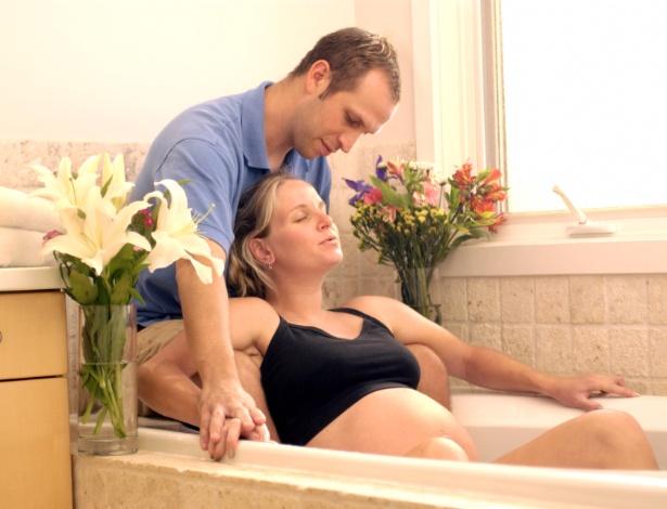 No parto em casa, a mulher escolhe a forma como quer dar à luz e tem o apoio do parceiro - Thinkstock