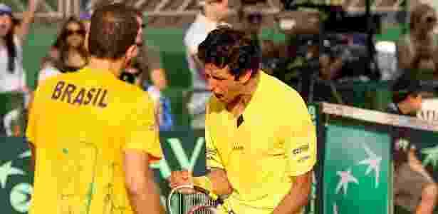 Marcelo Melo e Bruno Soares comemoram vitória contra russos Gabashvili e Bogomolov - Luiz Pires/FOTOJUMP