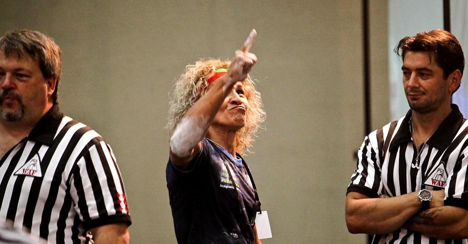 Chris Regiane conquistou as duas medalhas em disputa na categoria até 55 kg, tanto no deficiente quanto no máster