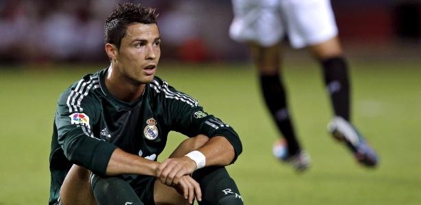 Cristiano Ronaldo lamenta lance da partida do Real Madrid contra o Sevilla