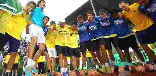 Guga puxa grito de guerra na comemoração da vitória do Brasil sobre a Rússia - Luiz Pires/Fotojump