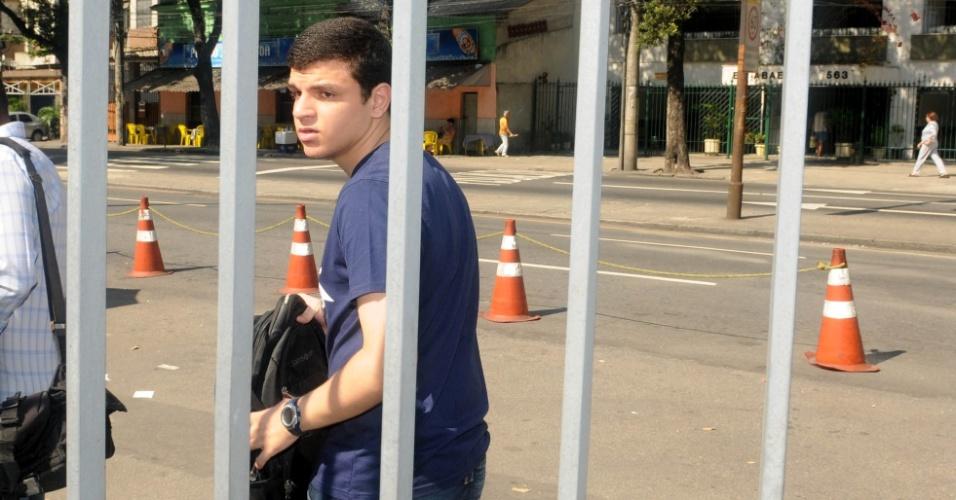 Apesar de uma tolerância de 10 minutos, o candidato Fredric Alfa chegou às 9h17 na Uerj (Universidade do Estado do Rio de Janeiro) e não conseguiu realizar a prova