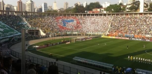 Torcedores do Palmeiras protestam no Pacaembu pela morte de dois palmeirenses após briga com corintianos: episódio fechou o cerco contra as organizadas