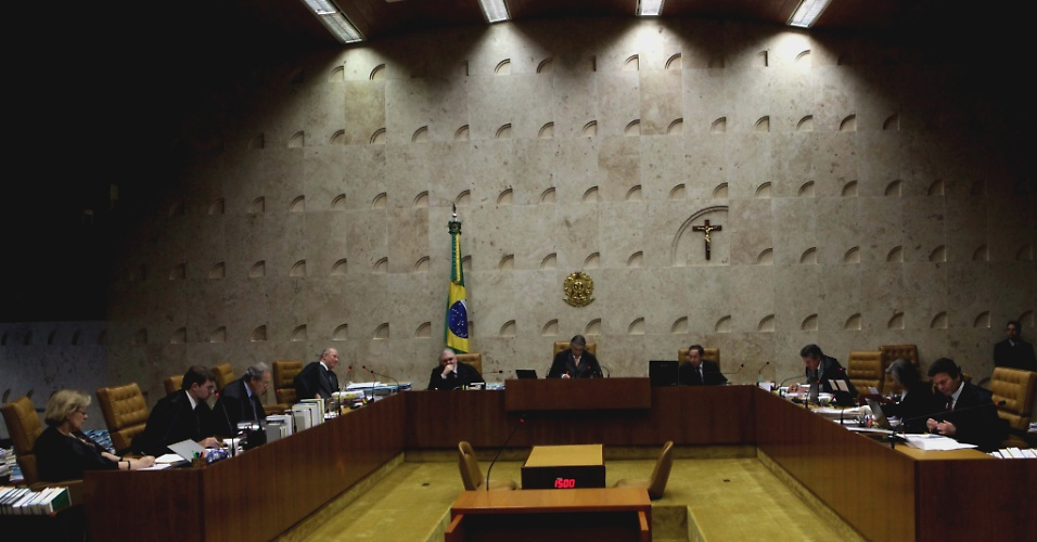 """17.set.2012 - Ministros julgam o chamado """"núcleo político"""" do mensalão em sessão no Supremo Tribunal Federal (STF), em Brasília"""