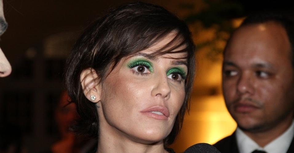 A atriz Deborah Secco no 7º Prêmio Contigo! de Cinema, no Jardim Botânico, Rio de Janeiro (17/9/12)
