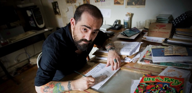 Allan Sieber em seu estúdio no Rio de Janeiro (9/3/11)  - Marlene Bergamo/Folhapress