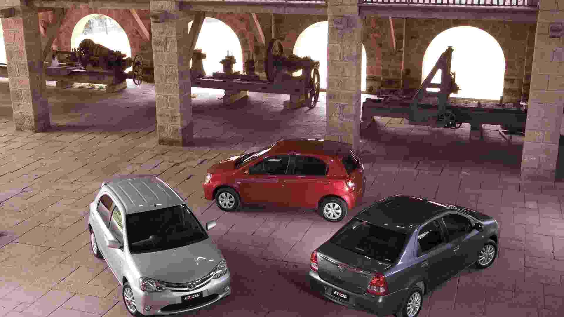 Toyota lança compacto Etios com duas carrocerias (hatch e sedã), motorização 1.3 e 1.5 e quatro versões de acabamento, com preços entre R$ 29.990 e R$ 44.690 - Divulgação
