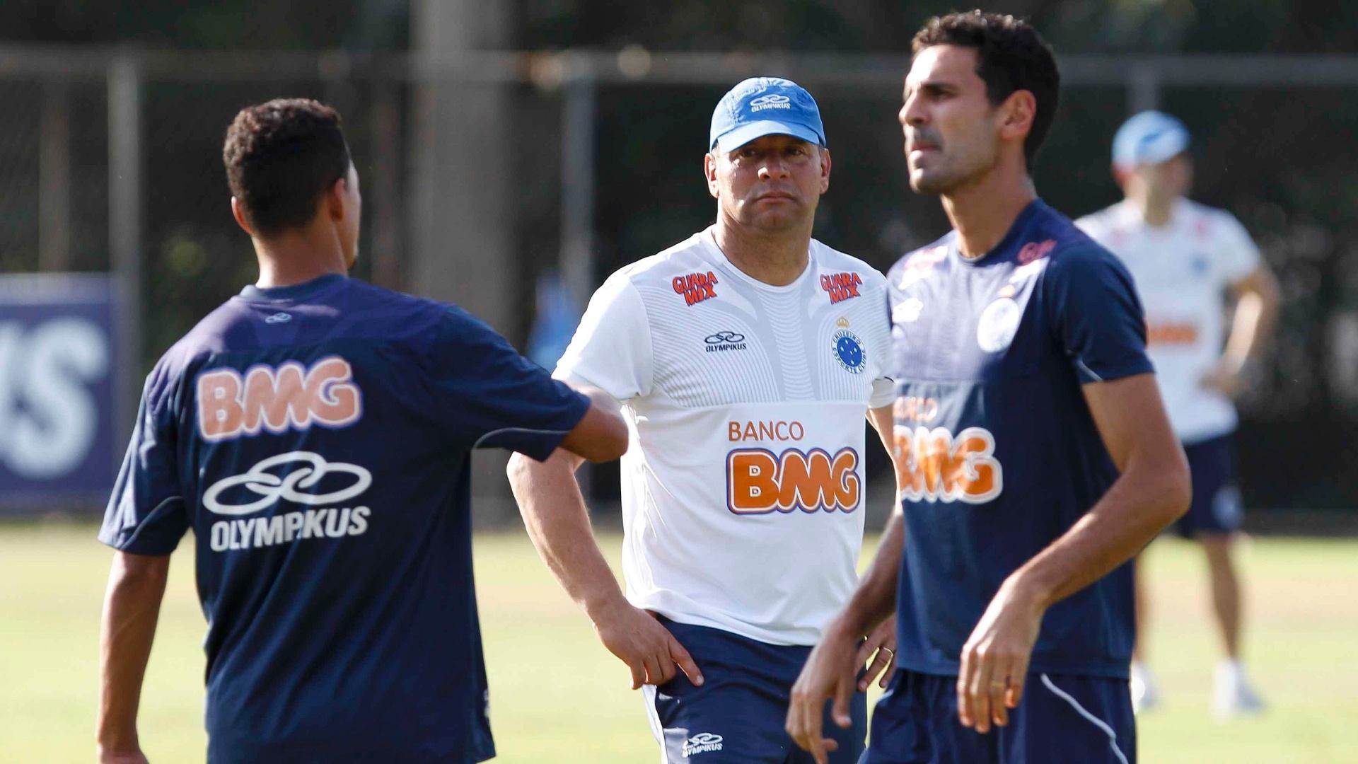 Colônia gaúcha  influencia hábitos e costumes nos rivais Cruzeiro e  Atlético-MG - 28 09 2012 - UOL Esporte fe464dd75b102