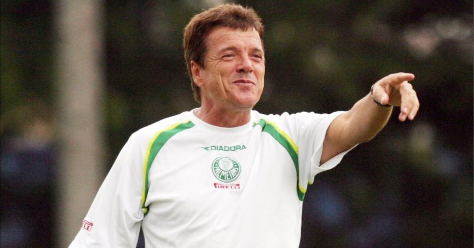 Jair Picerni, em sua primeira passagem pelo Palmeiras, em 2003