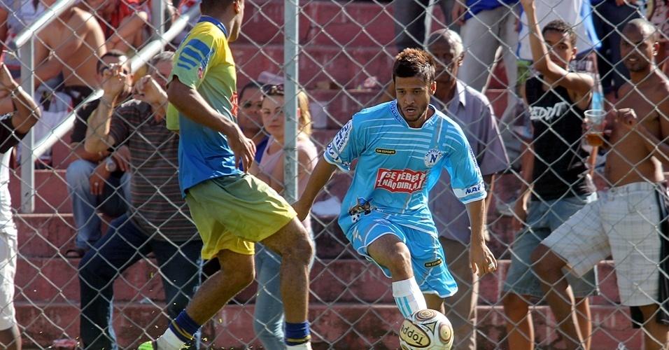 Lance de jogo do Napoli, da Vila Industrial, um dos times da Liga dos Campeões da várzea