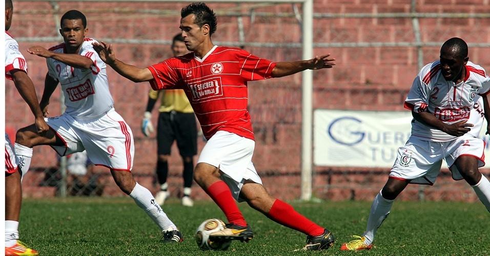 Lance de partida do Estrela Vermelha, da Vila Nivi, mais um da Liga dos Campeões da várzea