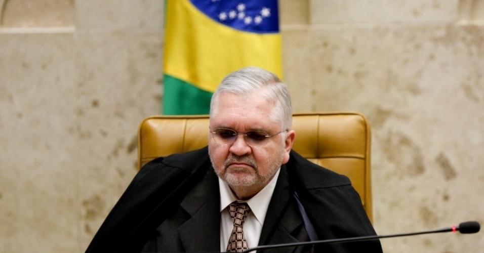 19.set.2012 - O procurador-geral da República, Roberto Gurgel, acompanha sessão do julgamento do mensalão