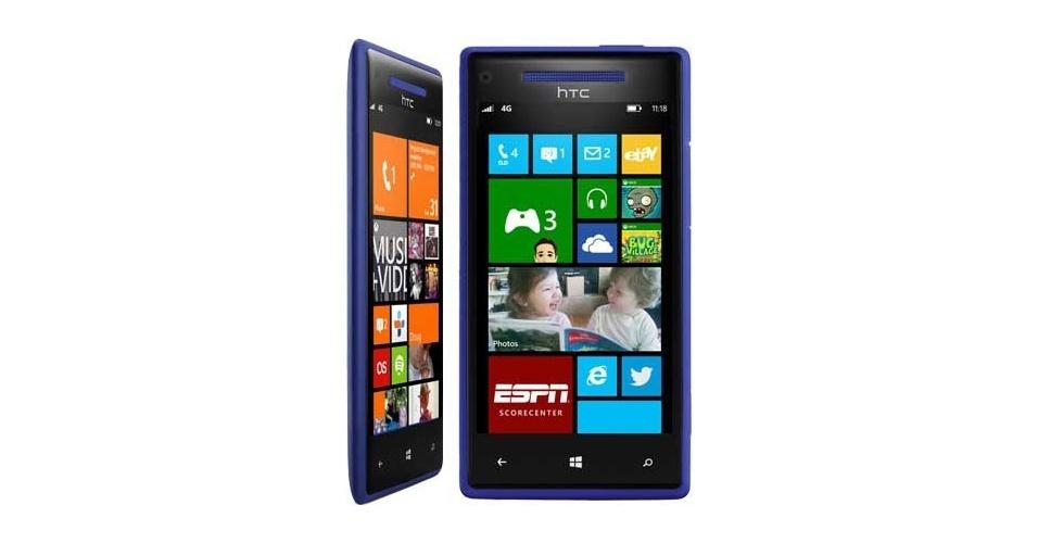 19.set.2012 - Mais dois smartphones com sistema móvel da Microsoft chegam ao mercado: o Windows Phone 8X e o 8S, fabricados pela HTC. No design, os aparelhos são bem parecidos com os smartphones da linha Lumia, da Nokia, e também são coloridos. O destaque fica para o uso da tecnologia de áudio da Beats. Eles serão vendidos em 50 países no início de novembro. O Windows Phone 8X (acima), com tela de 4.3 polegadas, traz um processador dual-core de 1.5 Ghz, 16 GB de armazenamento e duas câmeras (frontal de 2.1 MP e traseira de 8 MP). Virá nas cores azul, preta, vermelha e amarela