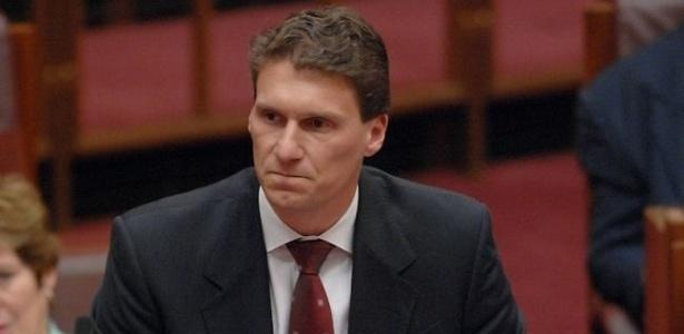 19.set.2012 - Senador australiano Cory Bernardi renunciou nesta quarta-feira (19) a um cargo parlamentar após provocar polêmica ao afirmar que legalizar o casamento gay é um passo para aceitar a poligamia e o bestialismo