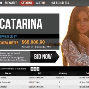 Catarina, brasileira que leiloou a própria virgindade na web - Reprodução