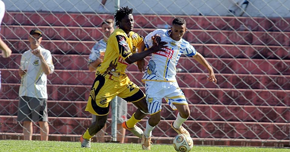 Daniel Eze, nigeriano do Ajax da Vila Rica