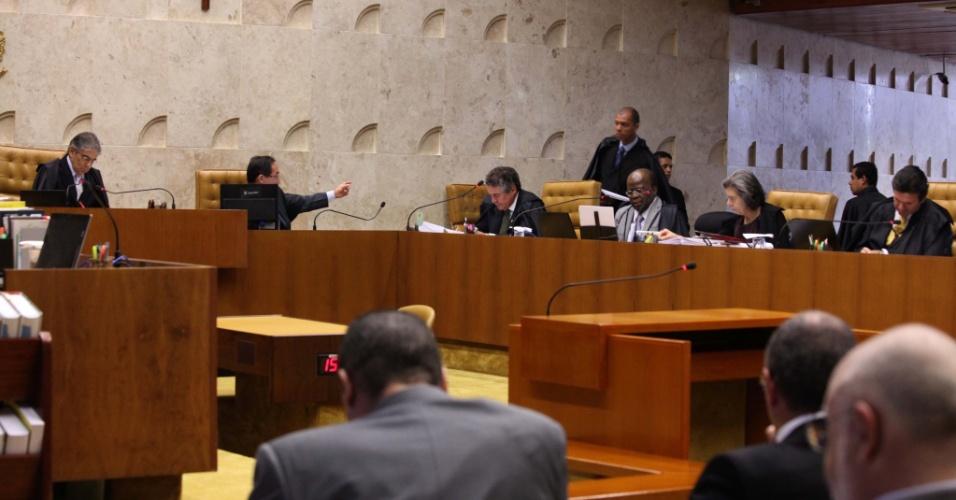 20.set.2012 - Ministros retomam julgamento do mensalão, em Brasília