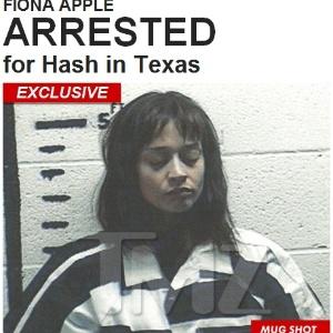 A cantora Fiona Apple, presa por porte de drogas no Texas (20/9/12)