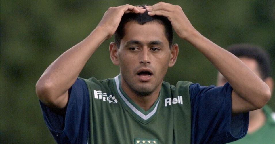 Arce, lateral paraguaio que defendeu Palmeiras e Grêmio no Brasil