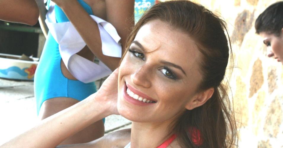 20.set.12 - Natália Oliveira, a Miss Paraíba, é a única ruiva entre as candidatas do Miss Brasil 2012. Quando criança, ela diz que colecionava apelidos (água de salsicha, cabelo de fogo e palito de fósforo, para ficar em alguns), mas garante que o bullying nunca a incomodou