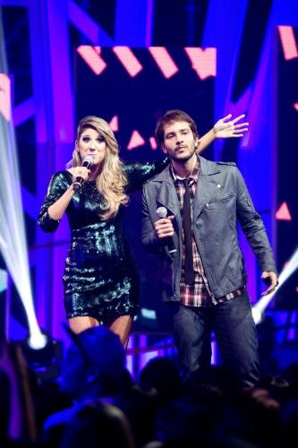 Dani Calabresa e Bento Ribeiro anunciam o show do  Planet Hemp, primeiro do VMB 2012 (20/9/12)