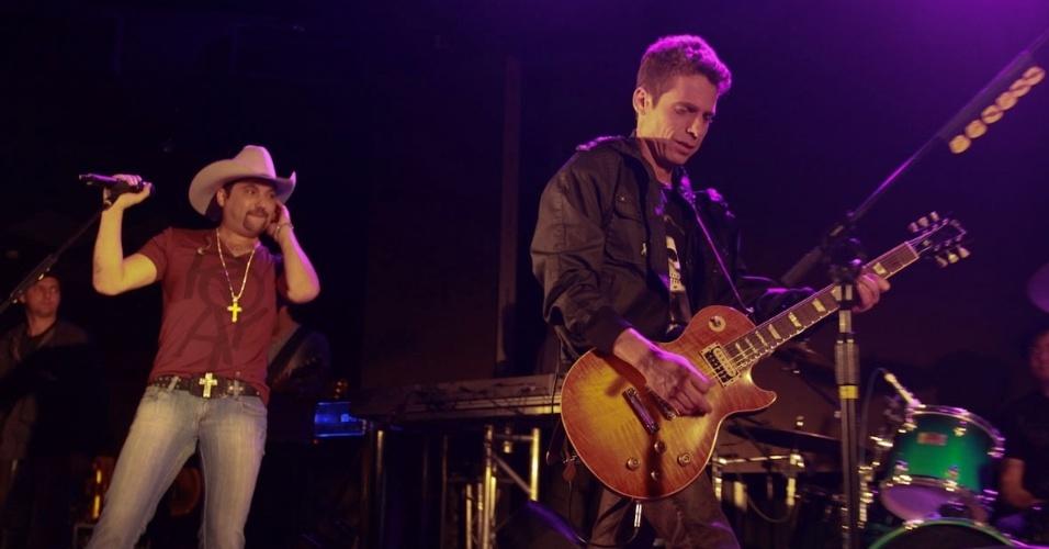 """Edson e Hudson se apresentam no show especial do projeto """"Sertanejo do Bem"""" no Villa Mix, em São Paulo (19/9/12)"""