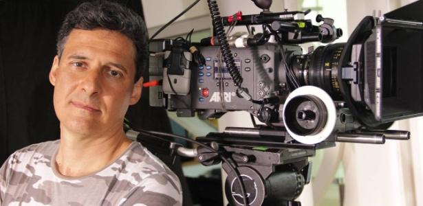 """O diretor Roberto Santucci nos bastidores de """"Até Que A Sorte Nos Separe"""", seu novo filme"""