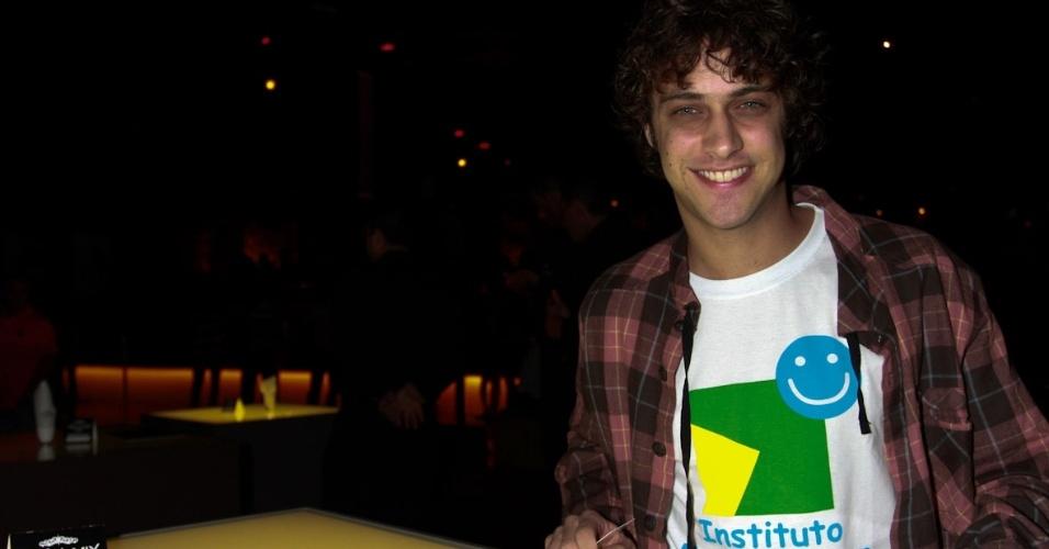 """Ronny Kriwat no show especial do projeto """"Sertanejo do Bem"""" no Villa Mix, em São Paulo (19/9/12)"""