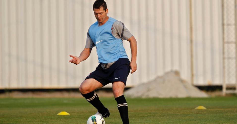 Veterano Ânderson Polga reforça o Corinthians e treina no CT Joaquim Grava (11/9/2012)