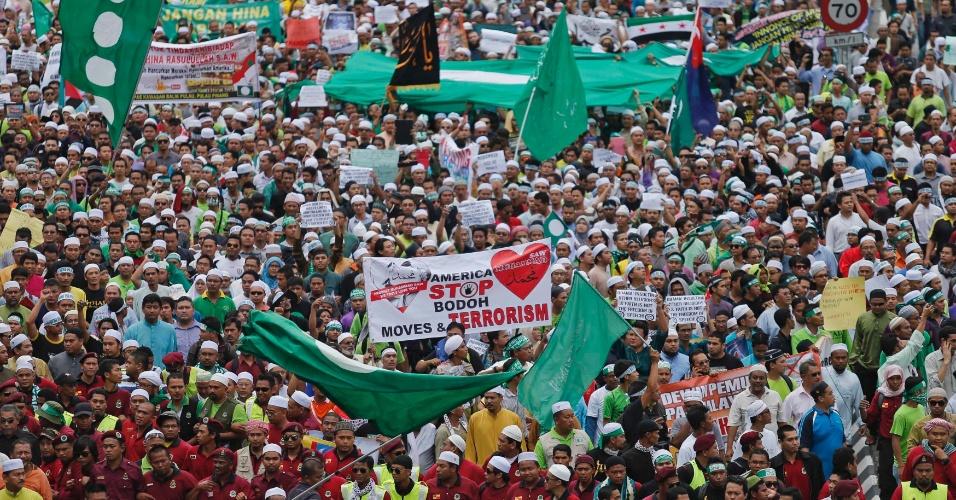21.set.2012 - Muçulmanos participam de protesto contra o filme anti-Islã também na Malásia, na cidade de Kuala Lumpur