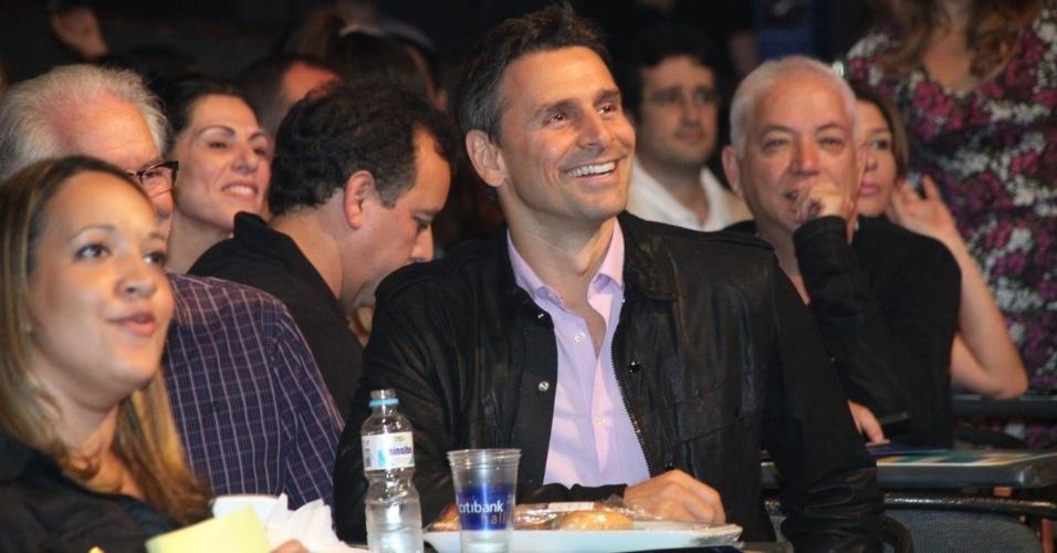 O ator Murilo Rosa assiste ao show de Victor & Leo no Rio de Janeiro (21/9/12)