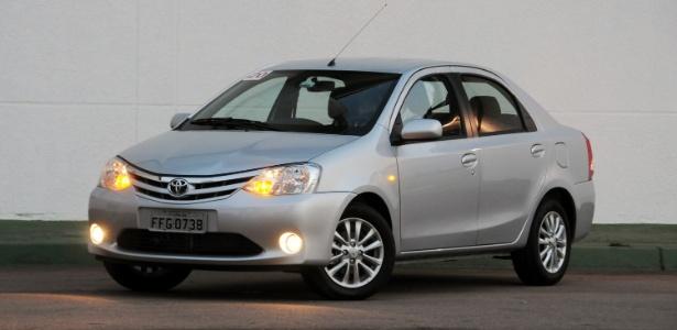 Toyota Etios sedã é mais um concorrente da categoria de sedãs compactos, liderada pelo Chevrolet Cobalt - Murilo Góes/UOL
